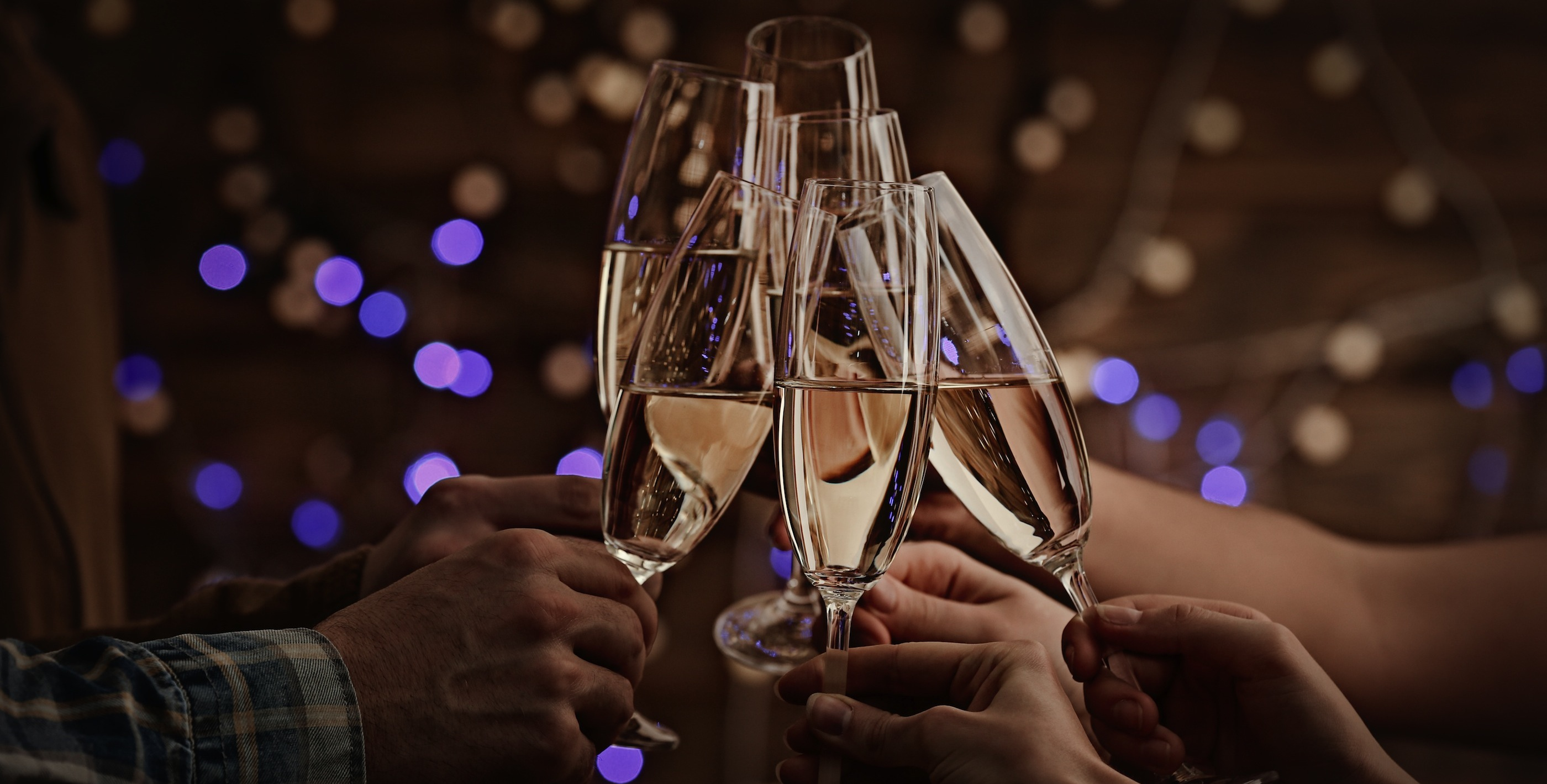 5 Wine Tips for Throwing an NYE Party That Doesn't Suck