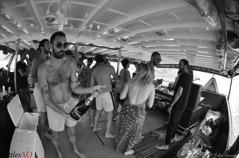 hong kong hk junk boat parties alcohol beer wine delivery deals deal party