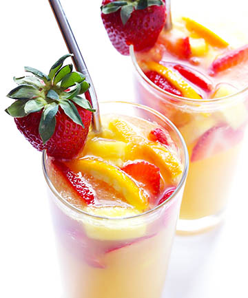 how to make sangria interesting sangria recipes best cocktails summer barbecue BBQ drinks shanghai suzhou china red wine white wine tequila spiced rum brandy punch party drinks bottlesxo bottle bottles xo app apps best apps for shanghai